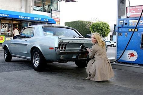 cars com actress celebrity cars hollywood stars who drive hot cars