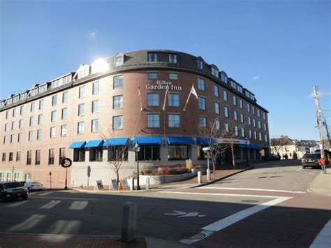 Garden Inn Portsmouth by 301 Moved Permanently