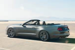 Ford Mustang 2015 2015 Ford Mustang Convertible Starts Shipping To Dealers