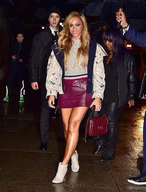 Beyonce Shows Trend High Belted Waists by Jaws Drop As Beyonc 233 Does High Fashion For Chanel