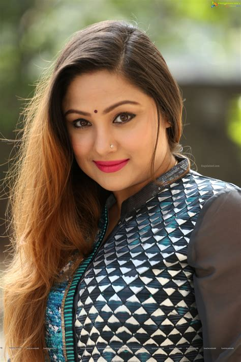 actor priyanka upendra priyanka upendra high definition image 103 tollywood