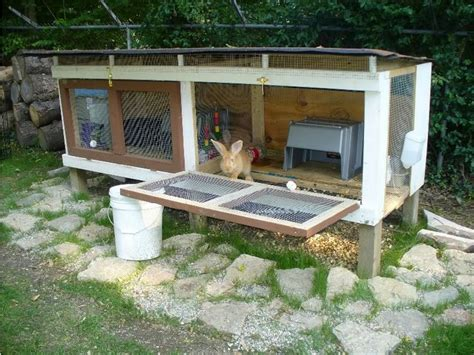 Giant Rabbit Hutch Rabbit Hutches Made From Pallets Pallet Wood Projects