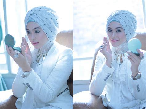 tutorial hijab by wardah cara mengetahui kosmetik halal untuk muslimah tutorial
