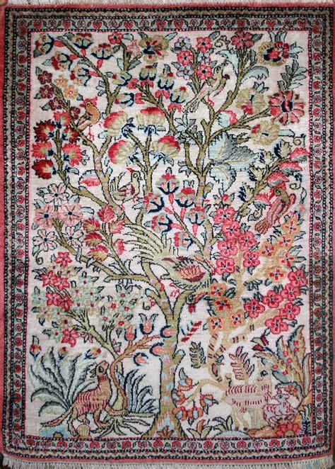 kashmir rug small knotted kashmir rug in silk ref 1827 0 80m x 0 57m