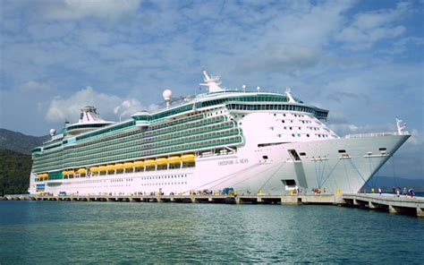 Oasis Of The Seas Floor Plan by Royal Caribbean S Freedom Of The Seas Cruise Ship 2017 And 2018 Freedom Of The Seas