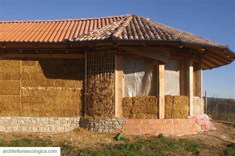 casa di paglia costruzione casa di paglia fortunago arch marini 1