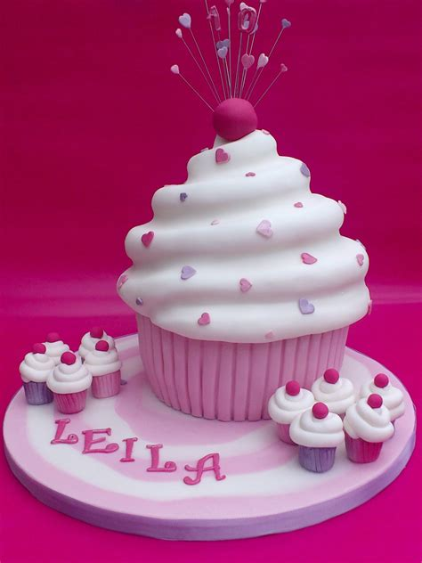 Cupcake Birthday Cake by Cupcake Novelty Birthday Cake 171 Susie S Cakes
