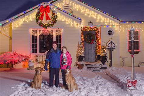 How To Hang Lights On House by Best Spots To Hang Outdoor Lights Ebay