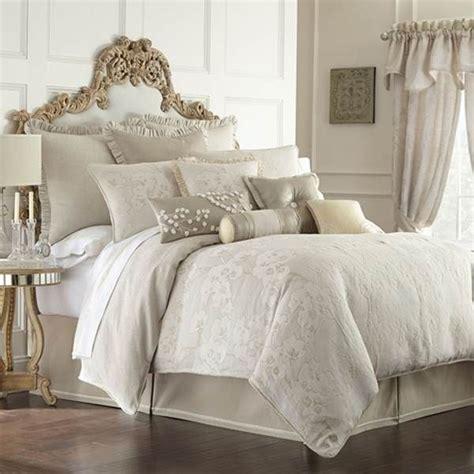 25 best ideas about ivory bedroom furniture on pinterest ivory king comforter set best 25 beige bedding sets ideas