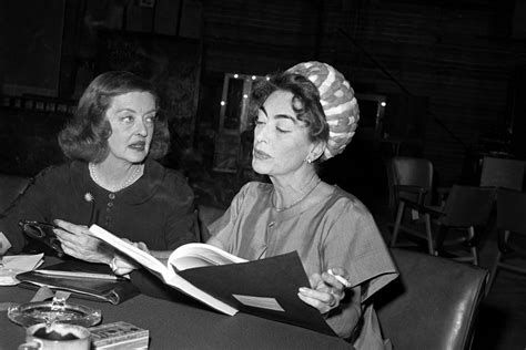 bette davis and joan crawford inside hollywood s why you need to be watching feud bette and joan