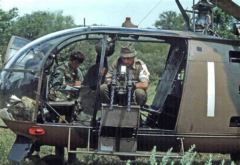 fireforce one man s war in the rhodesian light infantry twin 303 browning mg optic id ar15 com