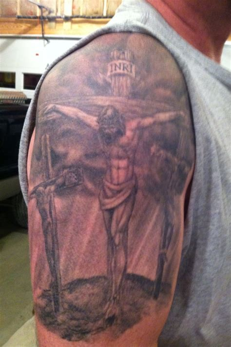 jesus on the cross tattoo jesus on the cross with the two thieves tattoos