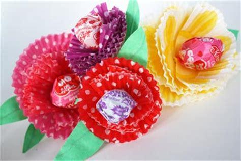valentine s day crafts skip to my lou baking cup flower valentines skip to my lou