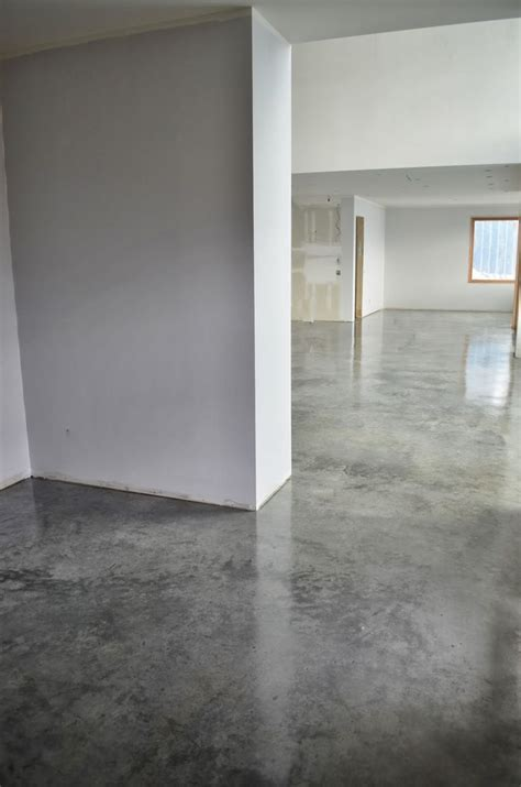 Many concrete contractors recommend applying a mop down