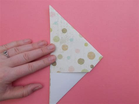 How To Make An Origami Cone - how to make an origami cone to hold pop corn