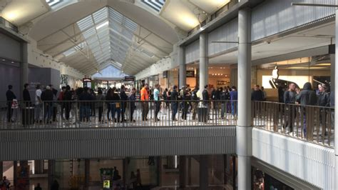 the magic still there as the faithful queue for the new iphones canberra citynews