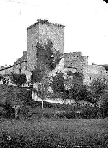 Enceinte fortifiée à Rions - PA00083702 - Monumentum