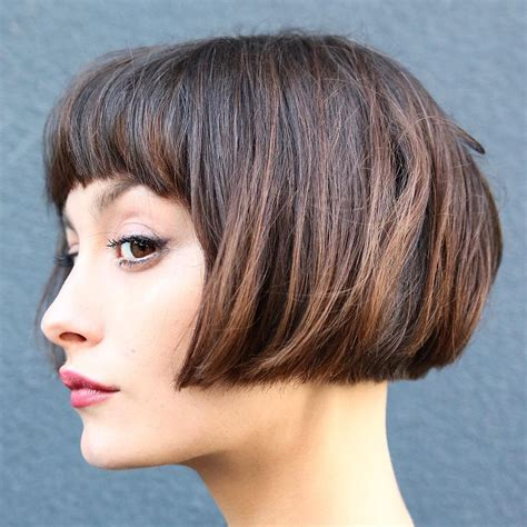 flattering short haircuts 40 most flattering bob hairstyles for round faces 2018