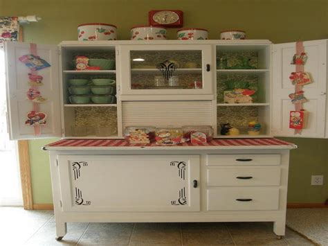 Vintage Kitchen Furniture by Finding Vintage Metal Kitchen Cabinets For Your Home My