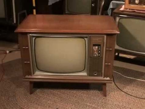 what year was the color tv a 1970 zenith color tv and news broadcast from