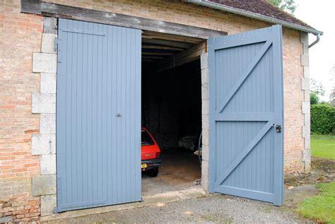 Porte De Grange En Bois by Porte De Garage Hauteur Requise Porte De Garage