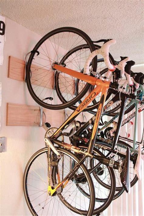 fahrrad platzsparend aufhängen fahrrad wandhalterung und andere fahrradst 228 nder die sie