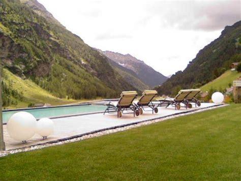 vasca esterna valle aurina vacanze di inizio estate