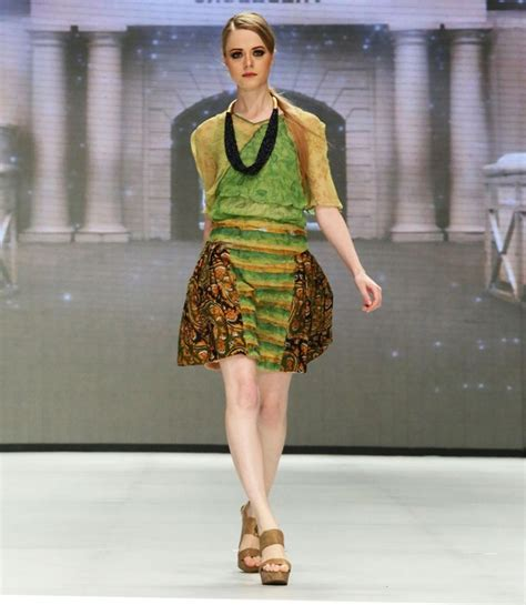 Cllaire Baju Tunik Blus Gamis Batik Pendek Wanita Grosir 64 model baju batik wanita modern terbaru batik tulis indonesia