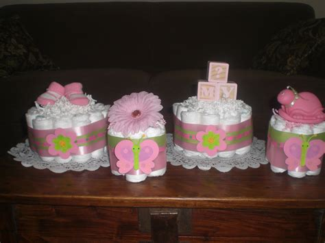how to make a cake centerpiece for baby shower baby shower cakes baby shower mini cakes ideas