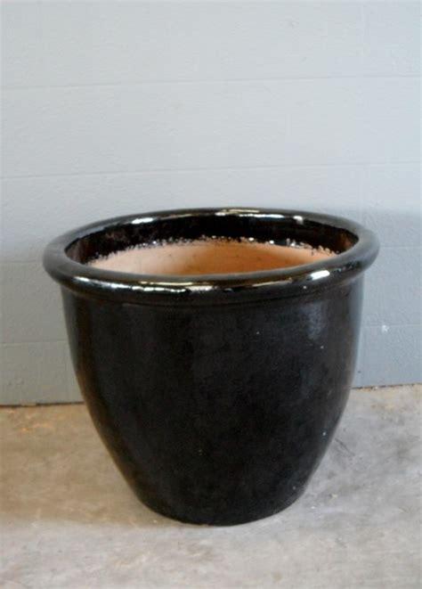 Round Ceramic Plant Pot In Gloss Black   ArtappelArtappel