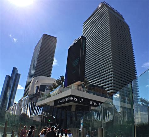 cosmo the a look at the cosmopolitan las vegas in pictures travel shop