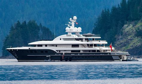 yacht kogo superyacht kogo anchored in deep cove superyacht times