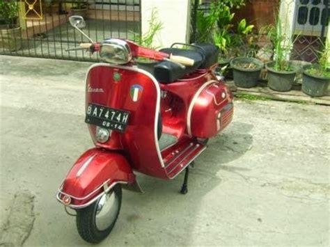 Modifikasi Vespa Warna Merah by Vespa 78 Merah Tone Motor Expose