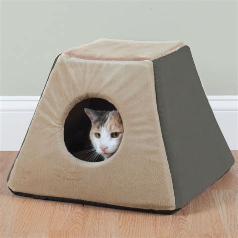 cat beds the best heated cat bed hammacher schlemmer