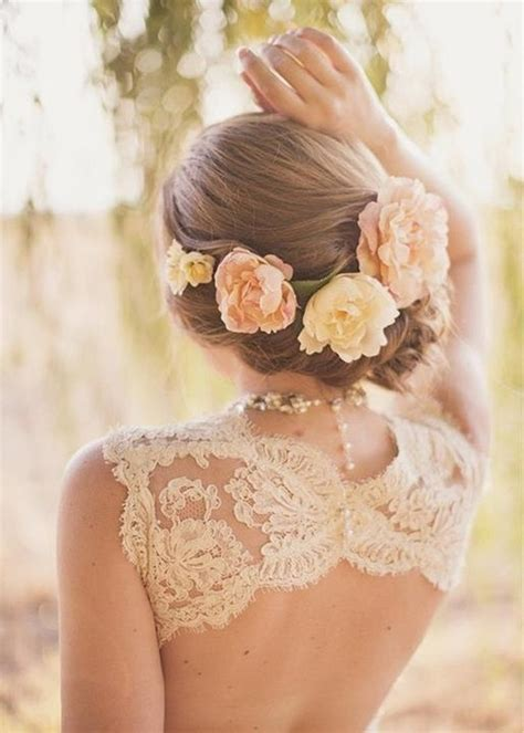 Wedding Hair With Flowers by How To Wear Flowers In Your Hair Inspiration For The Boho