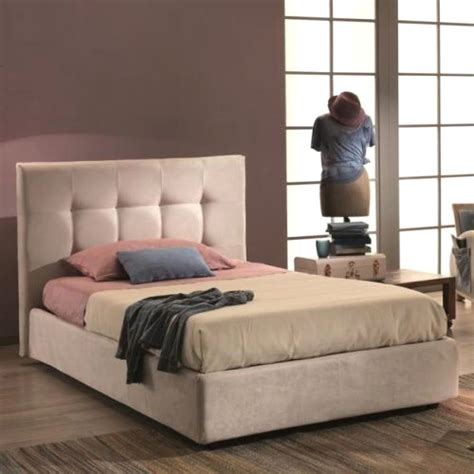 letti da una piazza e mezza mondo convenienza camere da letto mondo convenienza con letti a soppalco una