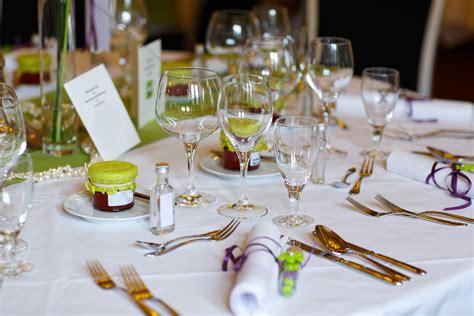 apparecchiare la tavola per compleanno allestire una tavola per compleanno ecco 10 nostri consigli