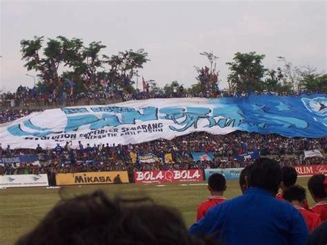 Hooligan Biru the big family of panser biru this is psis fans