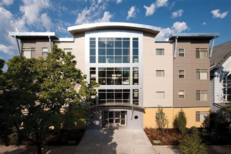 Tower Apartments Eugene Oregon College Apartments In Eugene College Student Apartments
