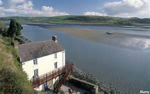 boat house laugharne from the mumbles to manhattan daily mail online