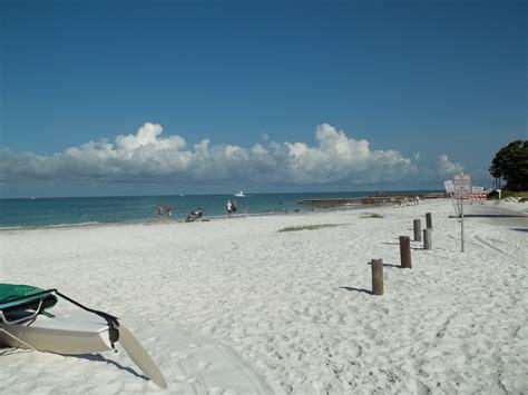 Sarasota Fl Records File Sarasota Fl Sanderling Club01 Jpg Wikimedia Commons