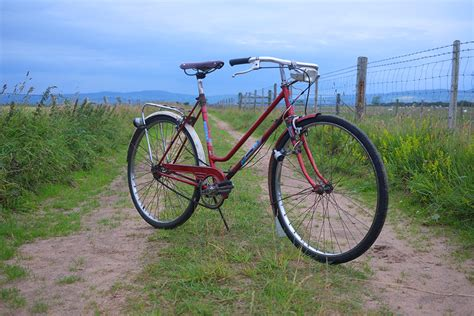 Matrass Rivet Paku 277 lovely bicycle the shattered record