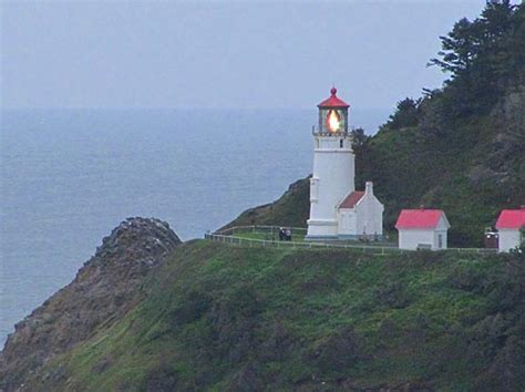oregon coast lighthouses at a glance