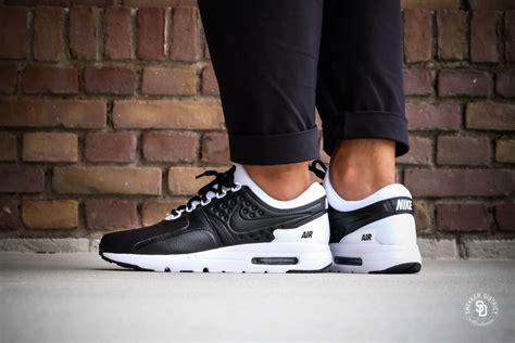 Sepatu Sport Nike Air Zero nike air max zero premium black black white 881982 003