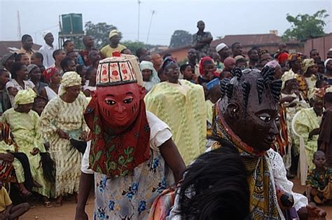 yoruba people the africa guide masquerading politics gender culture and power in