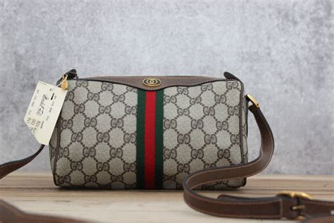 gucci vintage  brown monogram barrel bag