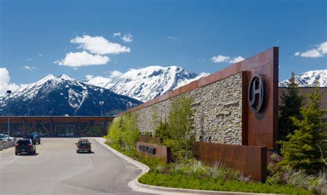 Mountain Home Interiors Jackson Hole Airport Branding And Wayfinding Segd