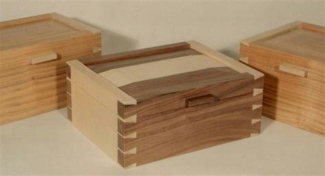 dovetail   wood joinery jewelry box plans
