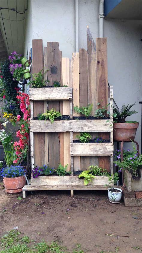 ornamental pallet vertical shade garden 1001 pallets