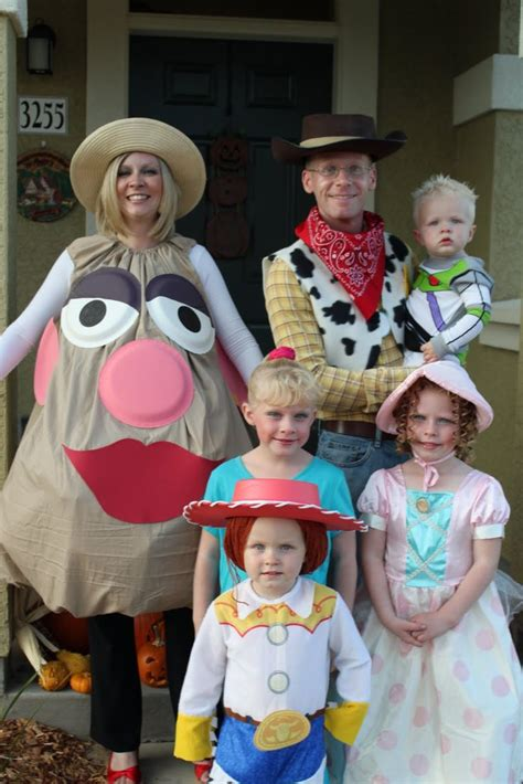 halloween themes for families family halloween costume ideas newhairstylesformen2014 com